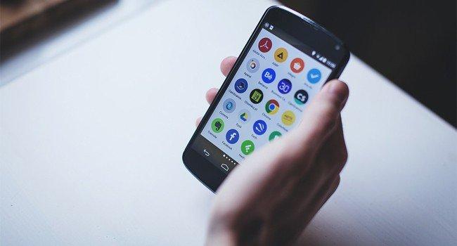 6 вещей, которые вы никогда не должны делать со своим смартфоном