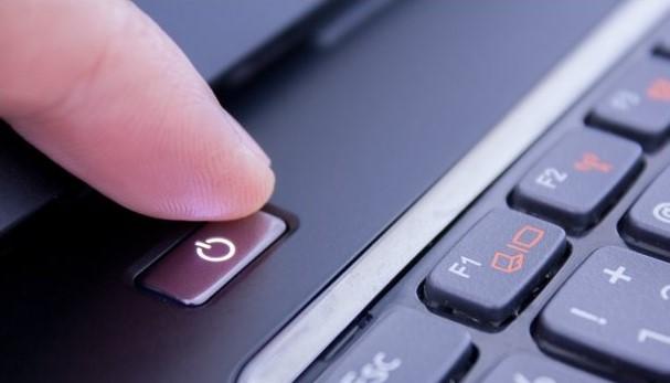 Что делать, если вы пролили воду или кофе на свой ноутбук