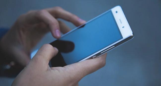 Что делать, если смартфон не включается: проверенные решения