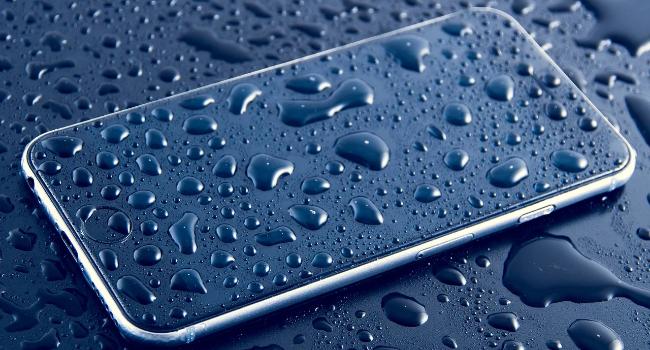 4 скрытых факта о водонепроницаемых телефонах