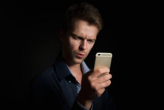 Какие поломки наиболее распространены в мобильных телефонах?