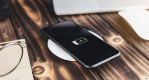 Read more about the article Полезные советы по беспроводной зарядке мобильного телефона